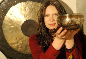Heather-Frahn-Gong-Singing-Bowl-Holistic-Sound-Healing-Therapy